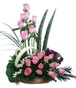 20_pink_roses_basket_arrangement