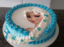 elsa-with-icing-hair-frozen-birthday-cake